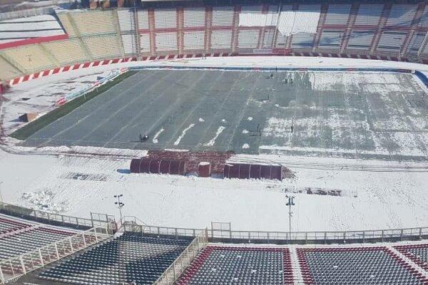 استادیوم یادگار امام تبریز آماده ملاقات تراکتور- سپاهان می گردد