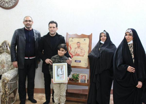 خبرنگاران آرزوهای فرزند شهید مدافع حرم توسط میراسماعیلی برآورده شد