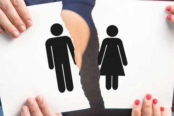 درخواست طلاق به خاطر بخشش اموال