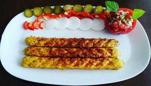 طرز تهیه کباب کوبیده مرغ با زعفران