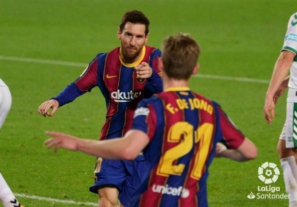لالیگا، پیروزی در بازی معوقه، بارسلونا را به رئال مادرید نزدیک کرد، سبقت مسی از سوارس در جدول گلزنان