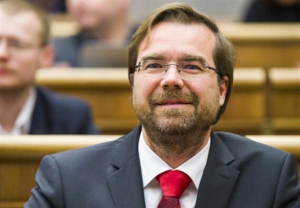 وزیر بهداشت اسلواکی استعفا کرد